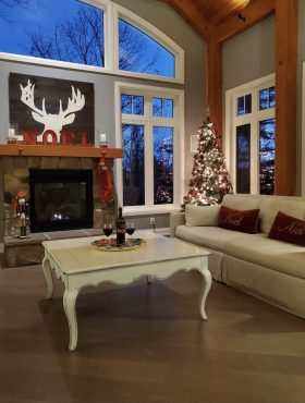 Are you ready for the December holiday season to celebrate with your family and friends. Gather in the Great Room by the fire and the Christmas tree.