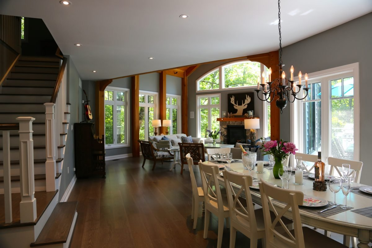 large Great Room & dinning room at muskoka soul luxury cottage rentals