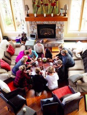 yoga rereats and wellness retreat at muskoka soul provide groups a connecting space to gather round