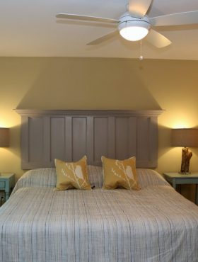 Nest bedroom with king bed at Muskoka Soul | Cliff Bay muskoka cottage rentals