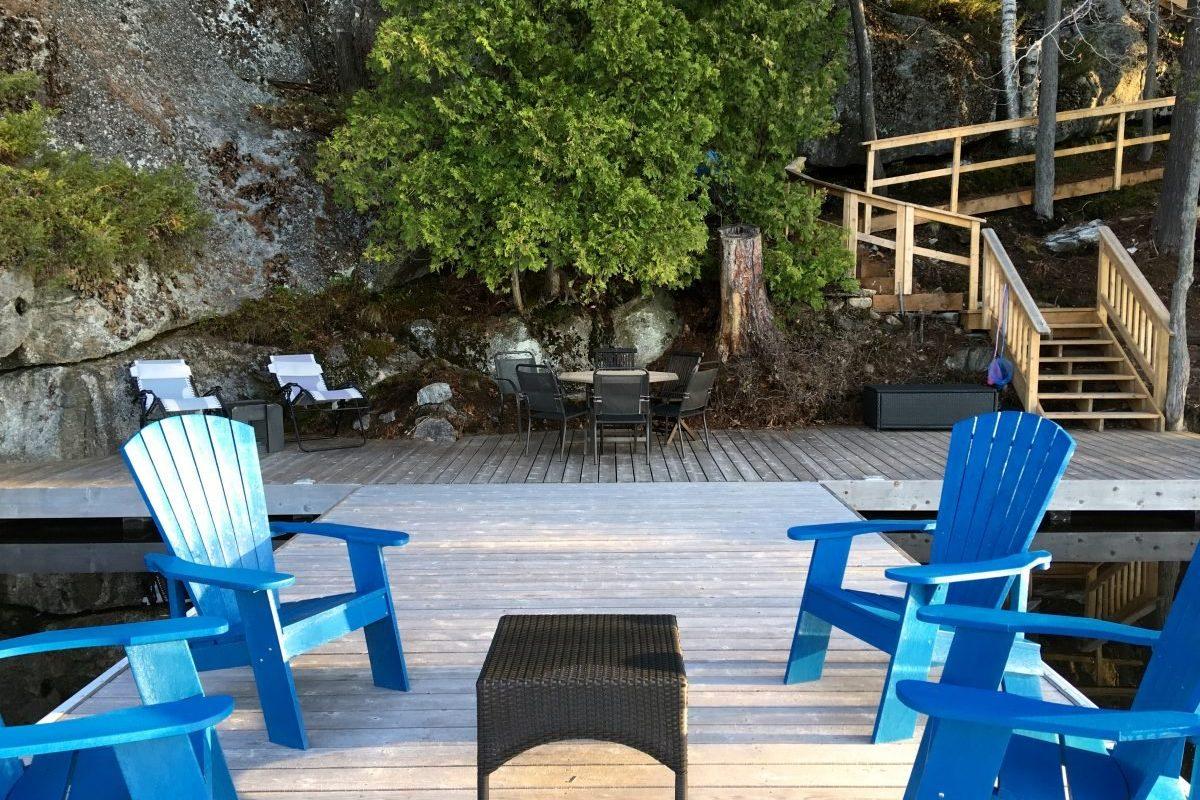 lots of seating at the dock at Muskoka Soul | Cliff Bay